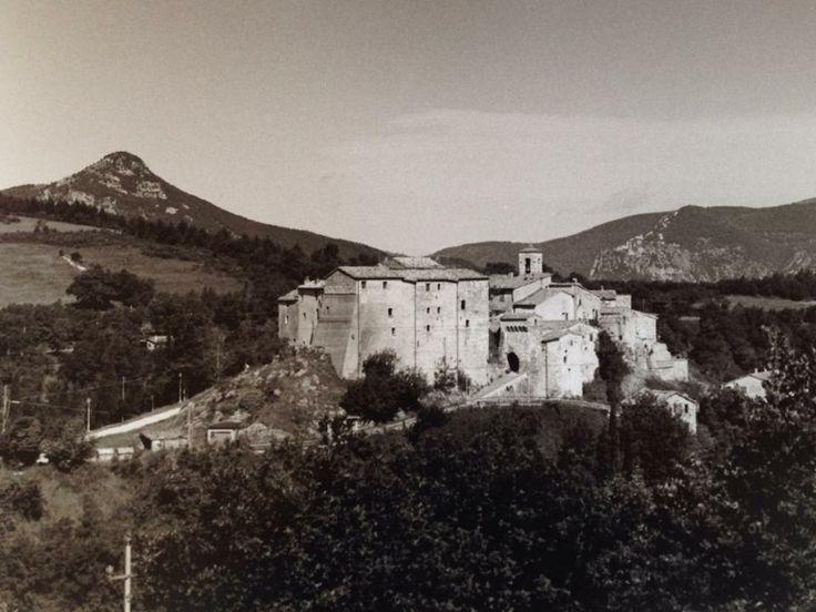 Precicchie castle near Fabriano - Marche - Italy photo by Marta Ricciotti