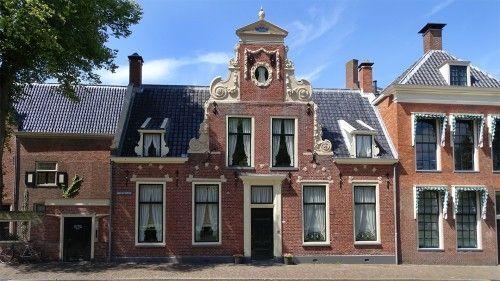 Groningen Binnenstad-centrum - Martinikerkhof huis met Vlaamse geveltop