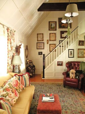 sweet cottage living room | vintage room | English cottage | antique stairs