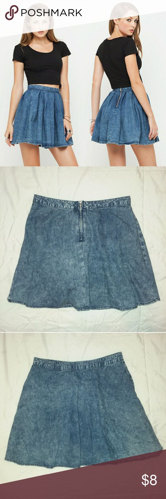 F21 Acid Denim Skater Skirt So soft and light, perfect for any season. Layer over thick tights with boots for a cute holiday look. Forever 21 Skirts Circle & Skater