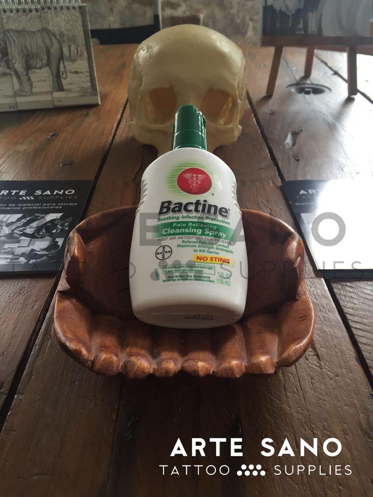 Os traemos Bactine, un spray que ayuda a prevenir la contaminación bacteriana o infección en la piel, así como al alivio temporal para el dolor y picazón.