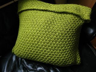 Make your own Pea Soup cushion! FREE knitting pattern from littletheorem on the Loveknitting blog!