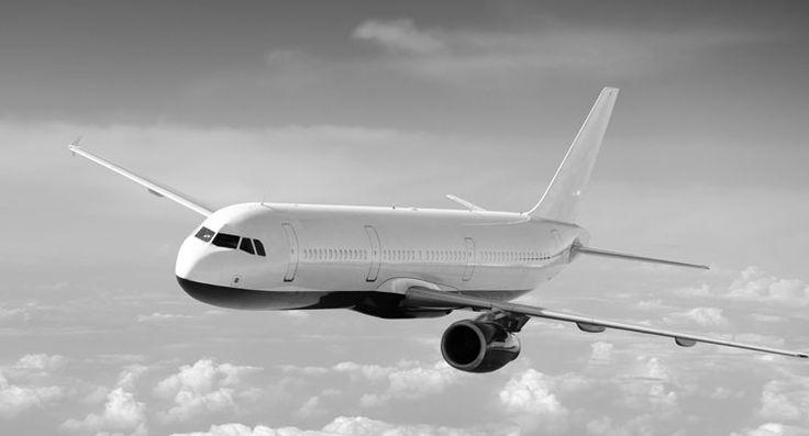 Libya'ya ait yolcu uçağı kaçırılıp Malta'ya indirildi