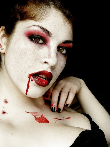 great vampire makeup!