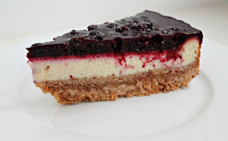 Cheesecake med solbær og lakrids