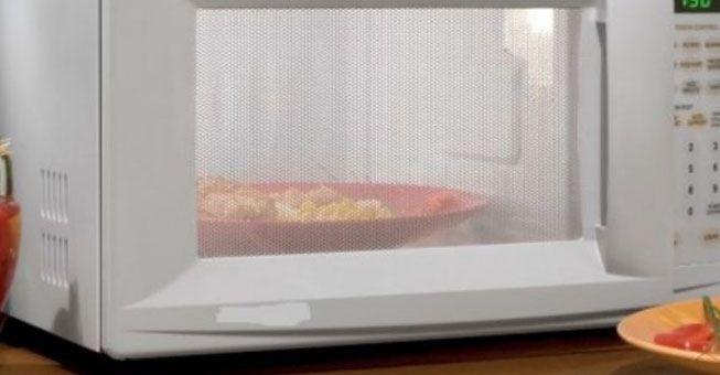 Δεν πάει ο νους σας πώς καθαρίζεται ο φούρνος μικροκυμάτων! - Τι λες τώρα;