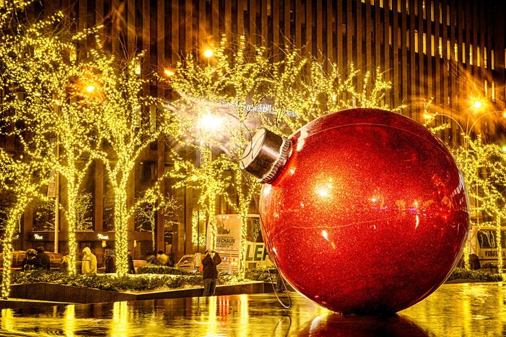 Xmas+Ball+by+Alexandre+Trudeau-Dion+on+500px