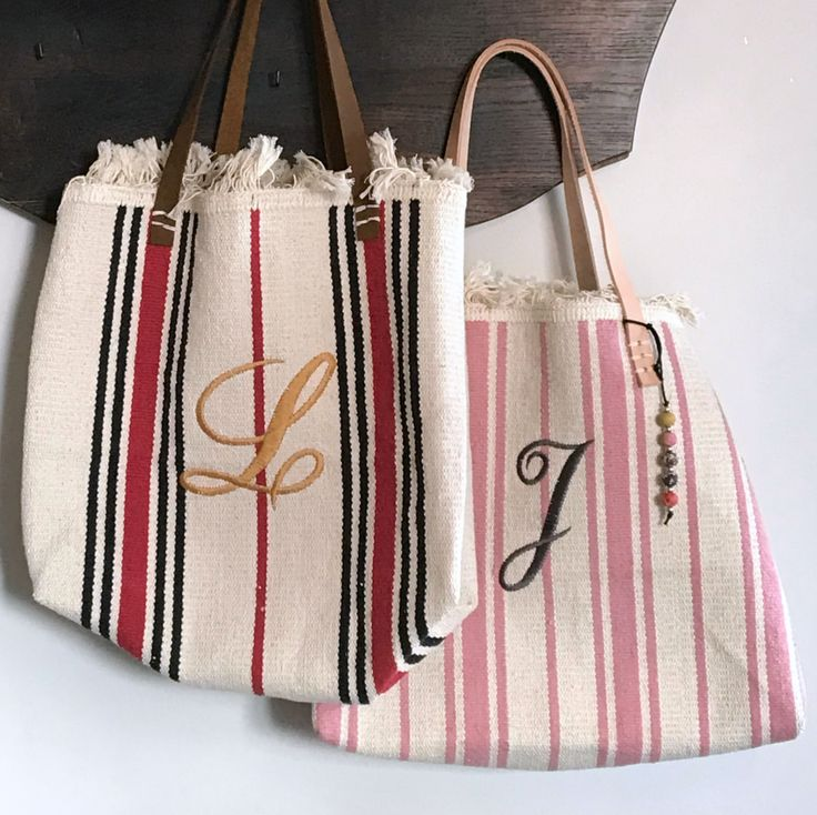 Looking for an idea for a cute handmade gift? Try these totes made from Ikea rugs! http://www.myfrenchtwist.com/handmade-christmas-challenge-wk-5/