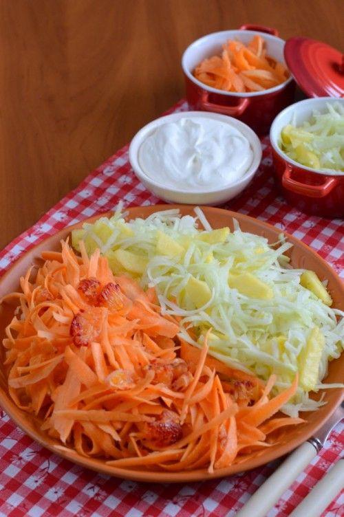 Zsenge karalábé-sárgarépa saláta
