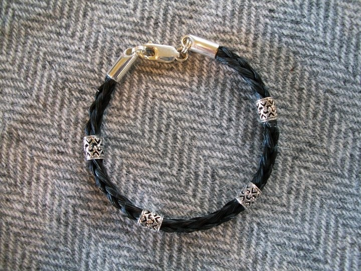 Horse hair bracelet - I will do this with my first horses hair that I have!