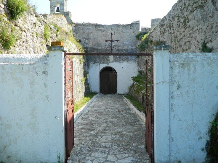 Agia Mavra Church inside Lefkada Castle / Αγία Μεγαλομάρτυς Μαύρα το γραφικό εκκλησάκι του Κάστρου της Λευκάδας