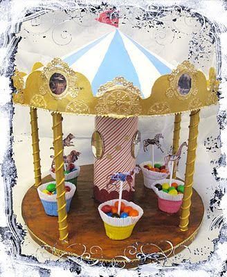 Carousel cupcake topper