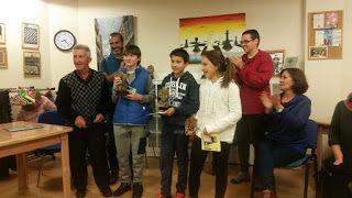 Premiados en el I Torneo Ajedrez Mataelpino, categoría Sub14: Raúl Parra (1º), Ricardo Lamarca (2º) y Alicia Lamarca (3º)