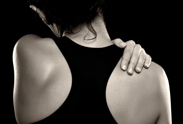 How to Erase Shoulder Pain With Self-Myofascial Release   Breaking Muscle