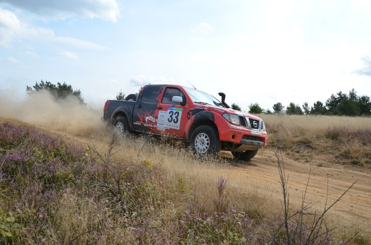 Nissan Navara Red T2
