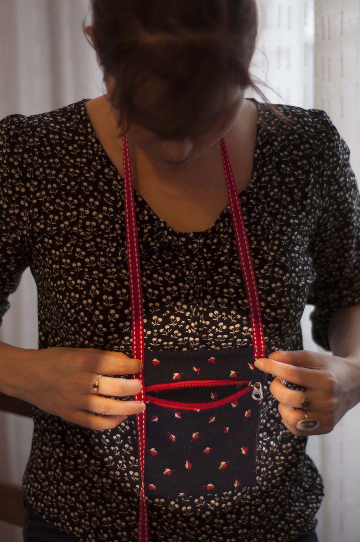 Une pochette discrète à placer sous son tee-shirt pour protéger passeport et sous en voyage - La Fabrique DIY, premier site collaboratif de tutoriels DIY