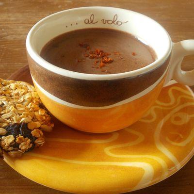 Rozgrzewająca czekolada na gorąco - DoradcaSmaku.pl