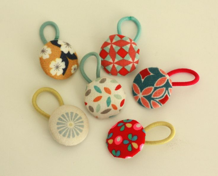 With Tutorial: assortiment-boutons-elastiques-little-menina