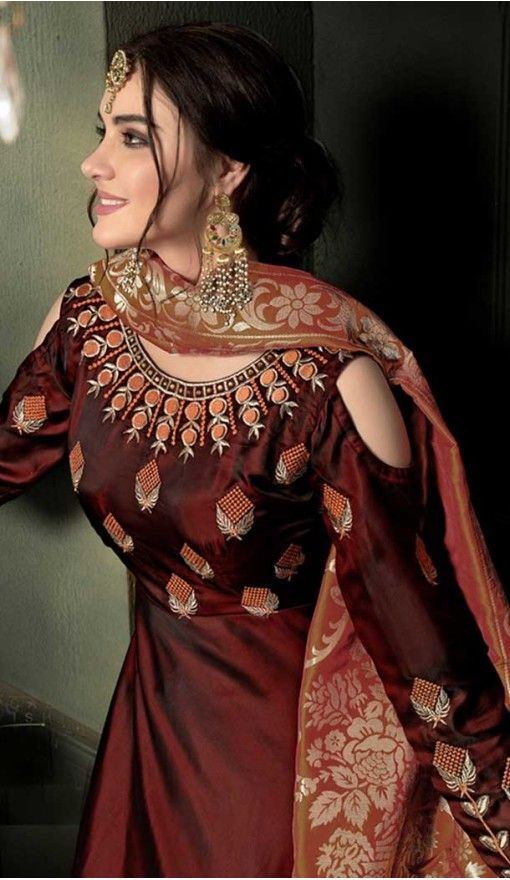 577b352f1b96f3 Maroon Color Heavy Tapeta Sarteen Silk Designer gown