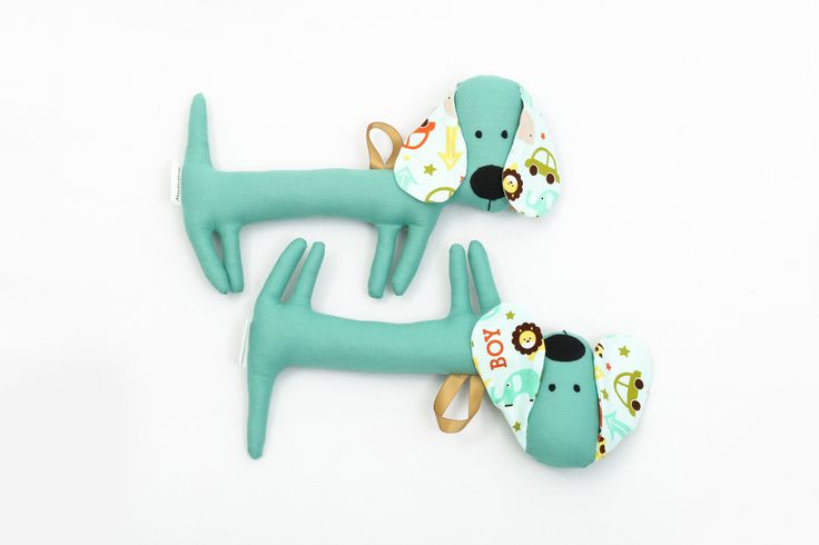 Rattle Sausagedog. Although the dachshund is primarily intended for babies, it has its fans from all ages. On special request we can make them without rattle.