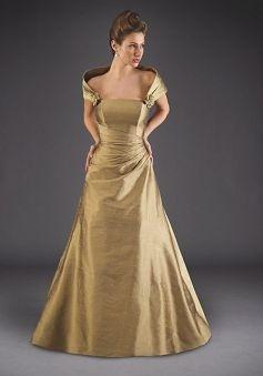 Possible Bride Gown: Floorlength Bridesmaid, Gowns Courtesi, Gowns Originals, Gowns Weddingidea, Gowns Pin, Gowns Spots, Bride Gowns, Bridesmaid Dresses Style, Bride Dresses