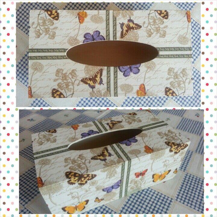 Decoupage - krabička na kapesníky - motýly