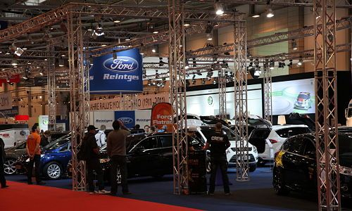 Aluminum Display Truss fabricated by VersaTruss Plus We manufacture aluminum display truss for all applications, modular, pre-fabricated trade show booth kits and custom aluminum display truss. Our manufacturing facility can create and design or pattern of aluminum truss from arcs and full circles to compound angles and long spans. Visit VersaTruss Plus Today! http://versatrussplus.com/aluminum-display-truss/  #aluminumdisplaytruss #customaluminumdisplaytruss #modularaluminumdisplaytruss