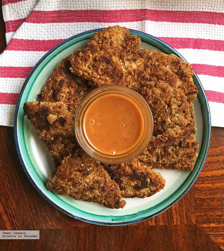 Nuggets de pollo con almendras y salsa de mostaza dulce. Receta