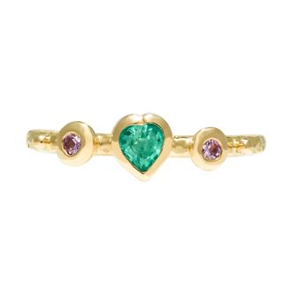 Gorgeous heart shaped emerald & 2x pink sapphires set into a delicate 2mm band in 18ct yellow gold by Sophie Harley London.