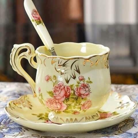 GORGEOUS TEA CUP/ SAUCER ALSO SPOON