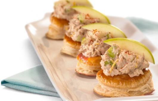 Crisp apple and tuna spread canape banquet buffet food for Canape spread