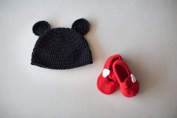 Crochet Newborn Set, Mickey Mouse Set, Mickey mouse hat and bootie