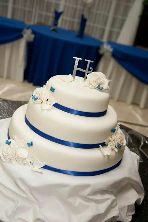 wedding cakes royal blue and white royal blue and white wedding cake cakes 25399