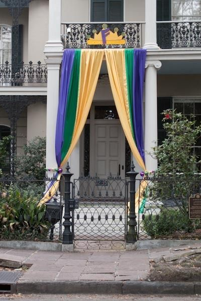 architectural photos of new orleans during mardi gras