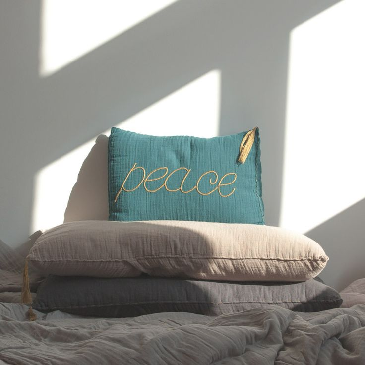 Peace cushion. Bedroom. Numero 74.