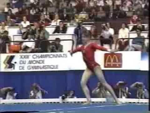 [Montreal 1985] De todas las hazañas deportivas que vi en la vida, ninguna me dejó una primera impresión tan fuerte como la rutina del pajarito. Una auténtica genio soviética: Oksana Omelianchik.