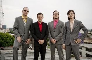 Weezer dan SHM Taburkan Kemeriahan di Januari | Suara Pembaruan http://brt.st/cLS
