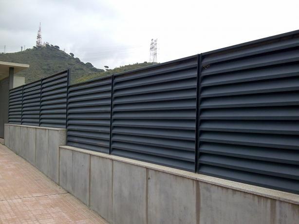 M s de 1000 ideas sobre puertas met licas en pinterest - Vallas para muros ...