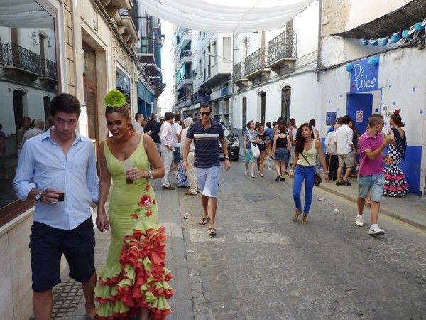 Learn Spanish fast. See the article for tips. (photo: Fiesta in Andalusia)