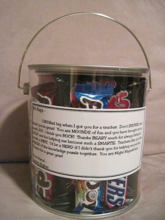 """Candy bars in a bucket with """"puns"""" in a thank you note"""