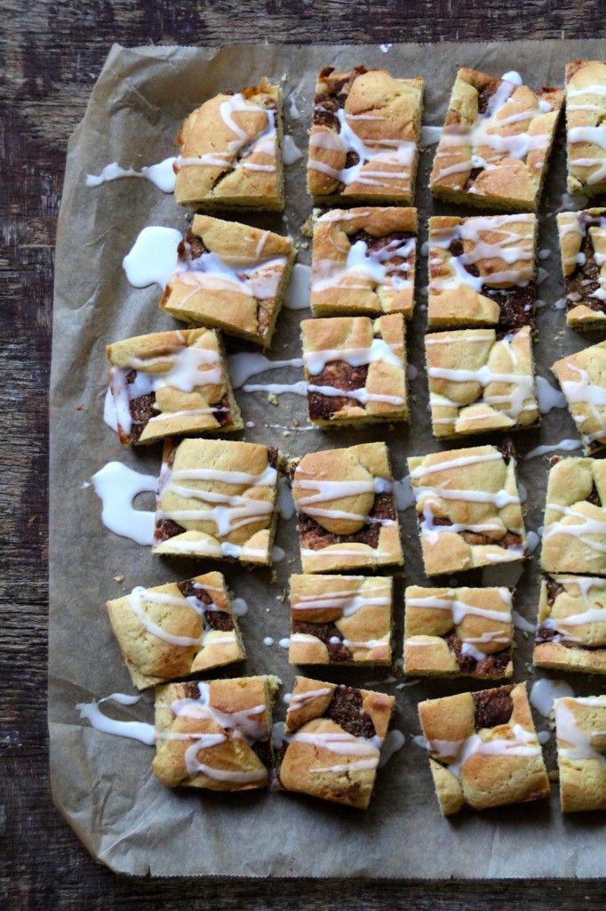 Enkel kanelkake - lett å lage og faller i smak hos de fleste. Besøk bloggen Mat på Bordet for denne og andre gode kakeoppskrifter.