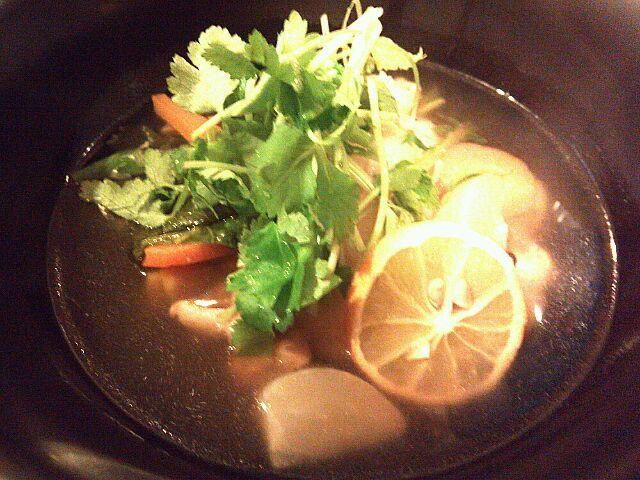 我が家のお雑煮は鶏ガラとカツオの合わせだし♪ - 1件のもぐもぐ - 2013お雑煮 by RIEママ