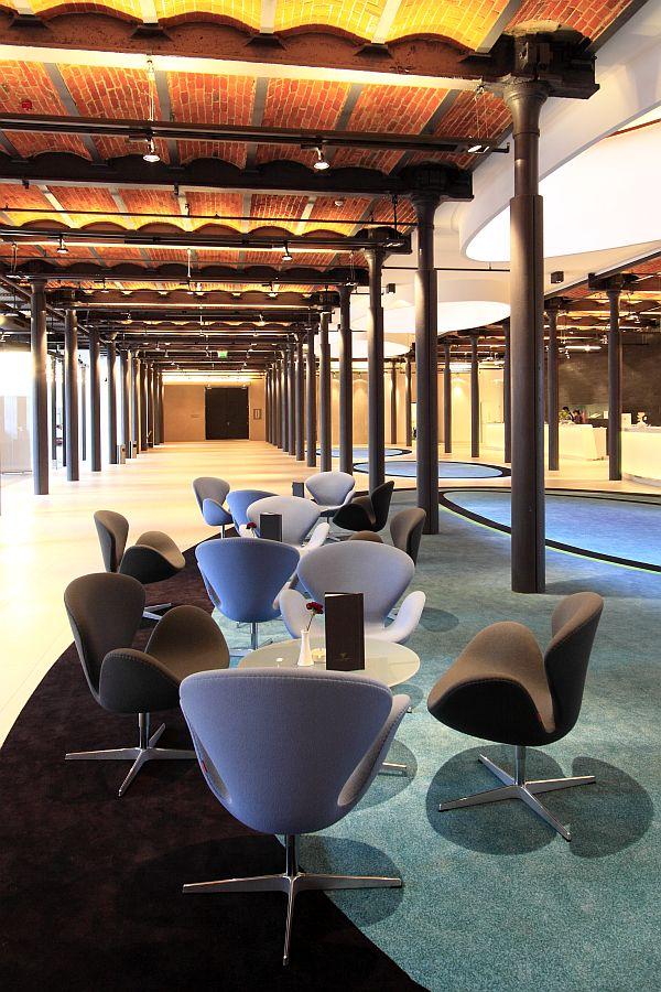 Hotel Andel's Łódź - fotel SWAN http://atakdesign.pl/pl/p/Swan/252