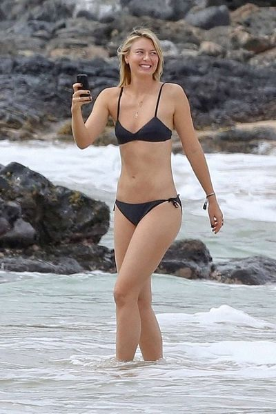 Maria Sharapova serves up a sexy bikini body - Image 1
