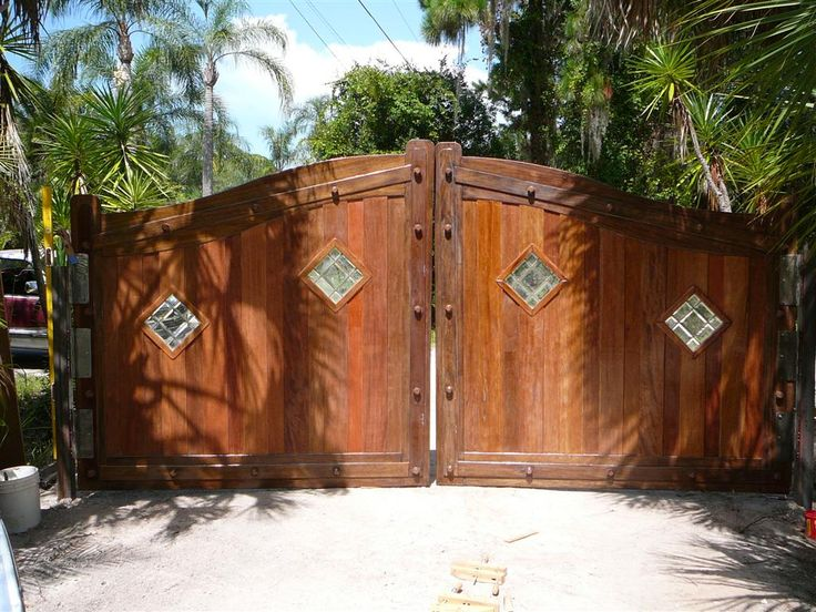 Wood Driveway Gates Designs Decor Extraordinary Wooden Driveway Gate For Your Outdoor Home