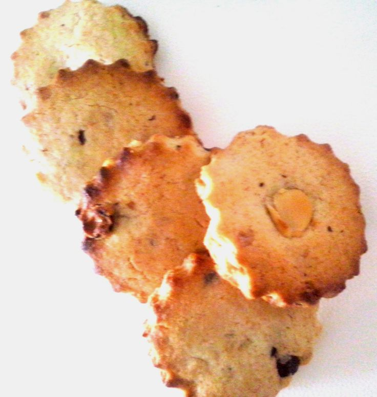 COOKIES GOLOSI DEL BOSCO - frolla integrale con mandorle, nocciole, noci e gocce di cioccolato
