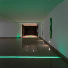 Garajes de estilo moderno por RRJ Arquitectos