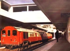 1926 standard tube stock Piccadilly line train at Hammersmith Underground station, circa 1935 (London Transport Museum)