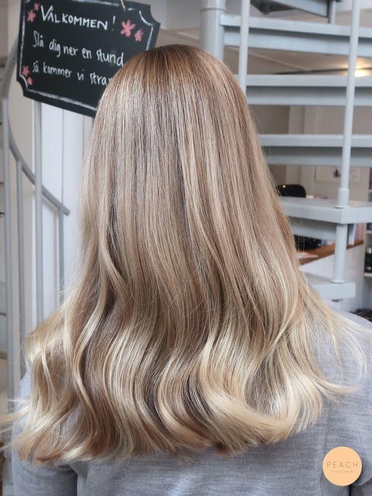 Slingor kall blond i 2020 Slingor hår, Beige blont hår