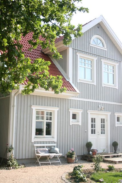 Lille Sverige Hus...red tiles, grey weatherboard & white windows
